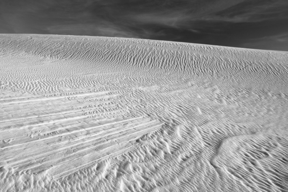 Dune patterns in black and white